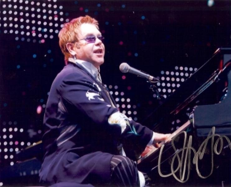 http://radio-drachengold.de/Autogramme/452John,_Elton.jpg